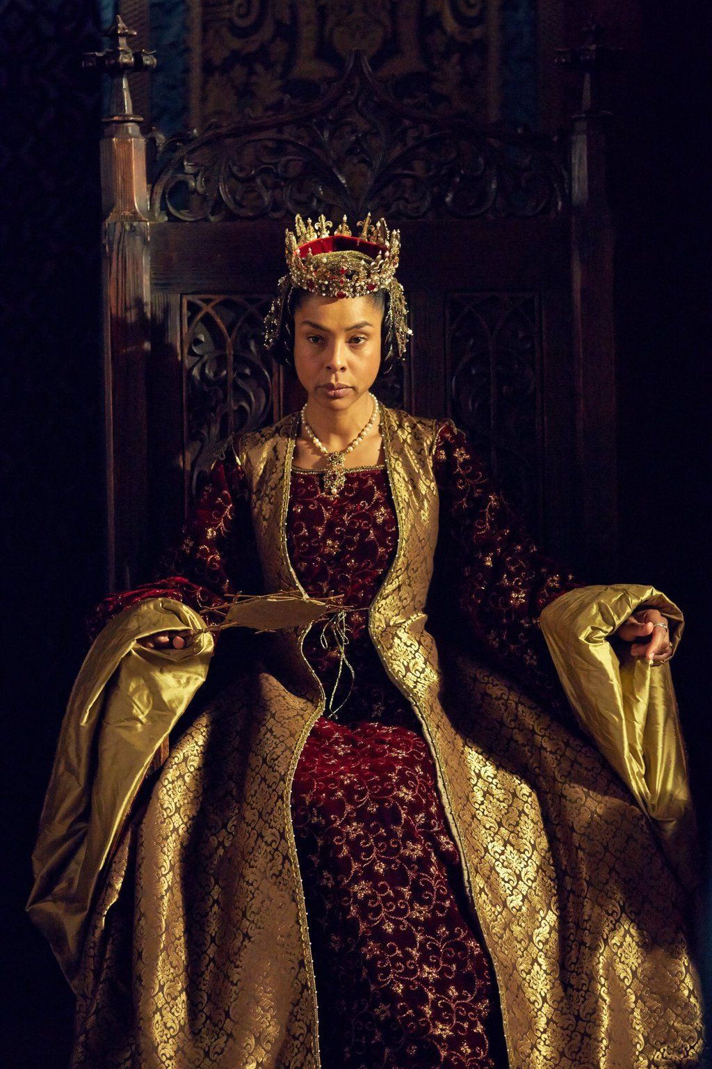 Sophie Okonedo Looks Absolutely Boss as Queen Margaret in ...