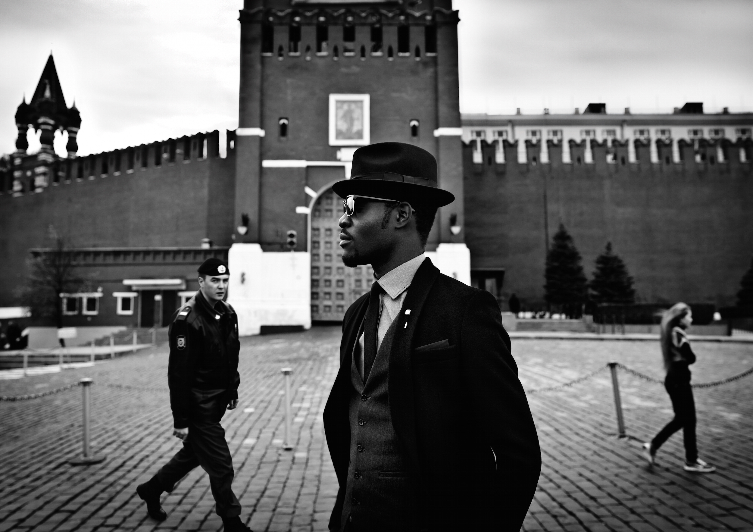 Arteh-Odjidja-Stranger-in-Moscow-Red Square-2012-dandy-lion